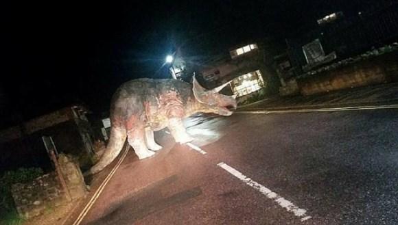 Un triceratop a blocat o stradă din Regatul Unit