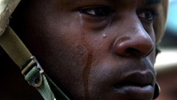 De ce plâng aceşti oameni? Crudul adevăr care te va şoca…