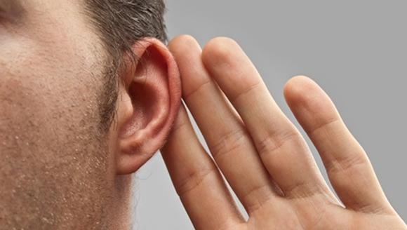 Diagnostic şocant: ce au găsit în urechea unui bărbat - VIDEO
