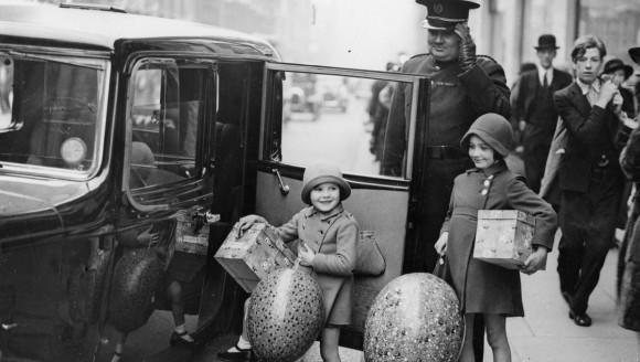 12 fotografii vintage, care arată cât de mult s-a schimbat Paștele, de-a lungul timpului. Iepurașii au rămas actorii principali