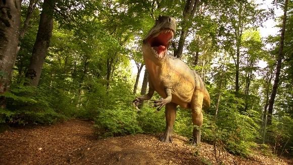 S-a deschis Dino Parc Râșnov, cel mai mare parc cu dinozauri din Sud-Estul Europei - Galerie foto şi video