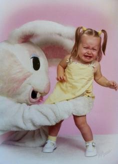 Top 10 – cele mai ciudate fotografii cu iepurași de Paște, din istorie (Galerie Foto)